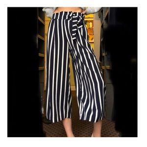 Zara Wide Leg Strip Cropped Pants LIKE NEW